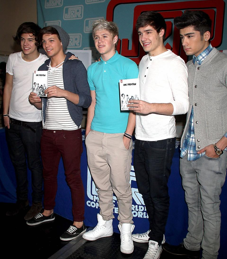 one direction signing 130312