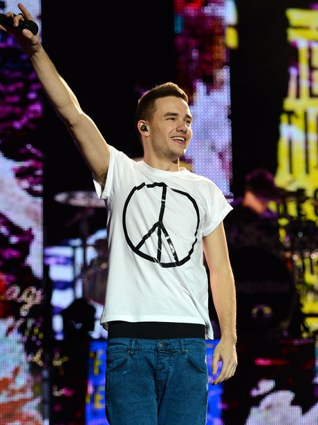one-direction-take-me-home-tour-uk-2013-6-1361661773-view-1